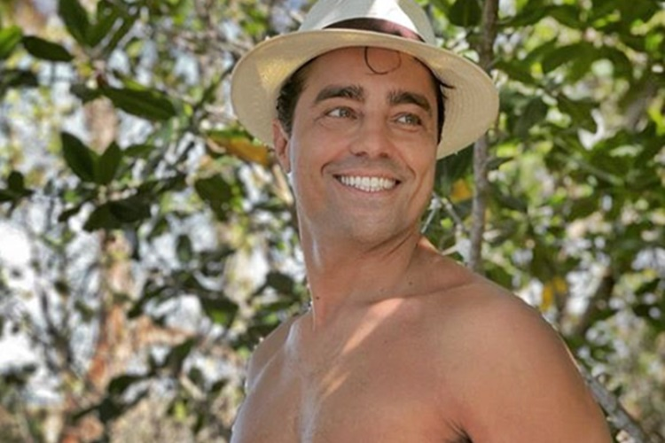 Ricardo Pereira exibe boa forma e recebe elogios