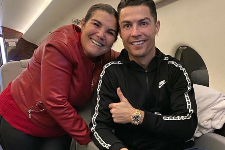 Cristiano Ronaldo fala pela primeira vez sobre a internação da mãe