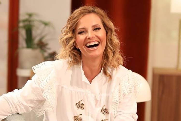 Cristina Ferreira surge sorrindo e comemora; saiba o motivo