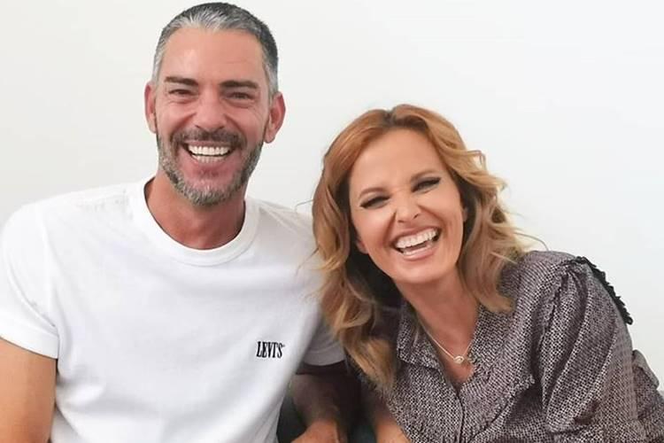 Claudio Ramos e Cristina Ferreira posam sorridentes